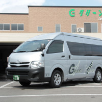TOYOTA HIACE Grand Cabin (12 seated Commuter)